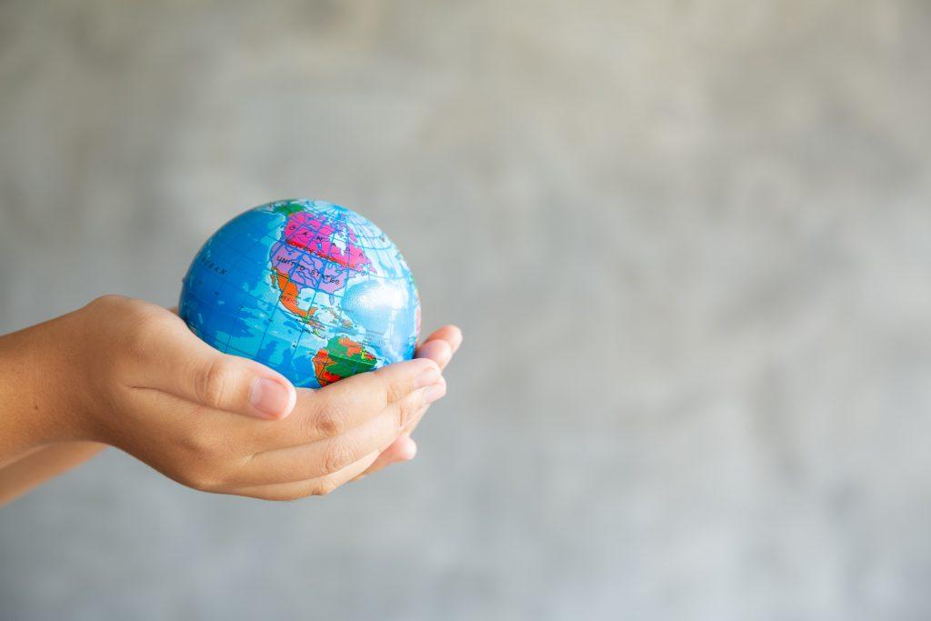 mundo-manos-estudiar-extranjero