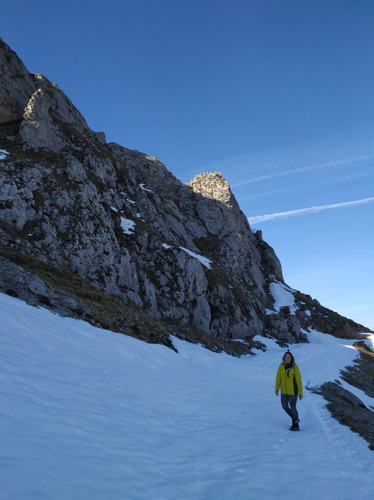 Nevero-vistas-ruta-Peña-Tremaya-Montaña-Palentina