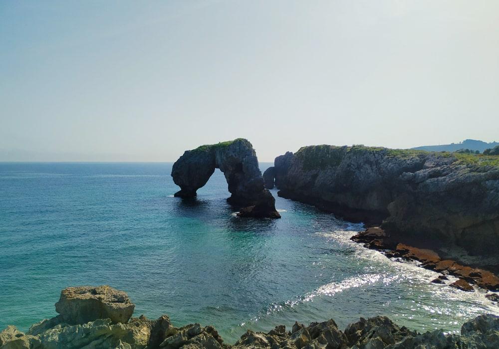 ruta-por-el-Cantabrico_Playa-Huelga-Sara-Campo-min